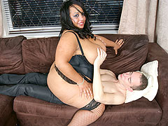 Super hot black BBW masseuse in fine nylon delivers happy ending to a customer
