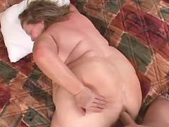 Huge mature gets fuck in anal hole