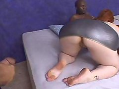 Plumper w big boobs blows hard dick