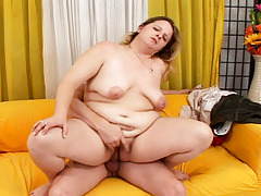 Kinky fat MILF rides that rough cock like an expert here!